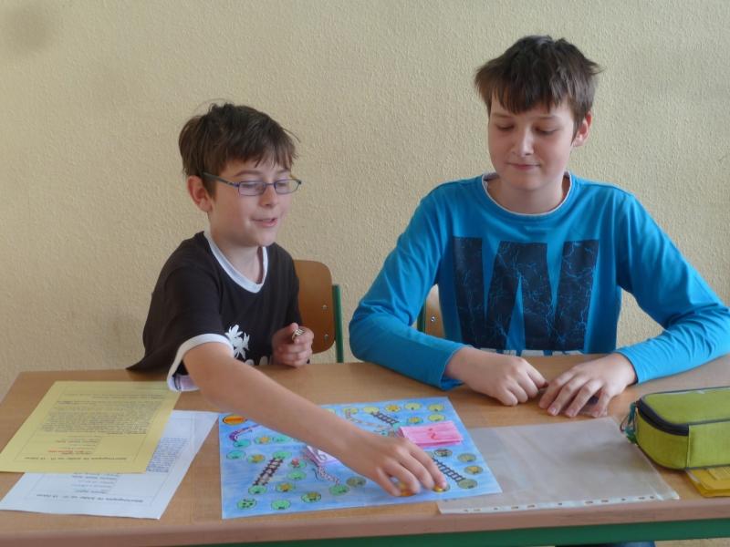"""Sie sehen Bilder des Artikels: Fächerübergreifendes Projekt der Klassenstufe 6 zum Thema """"Spiele"""""""