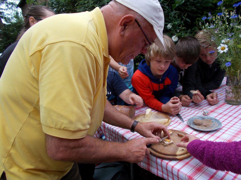 Sie sehen Bilder des Artikels: Wandertag nach Würchwitz
