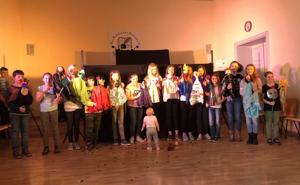 Sie sehen Bilder des Artikels: Gelungene Puppentheater- Premiere