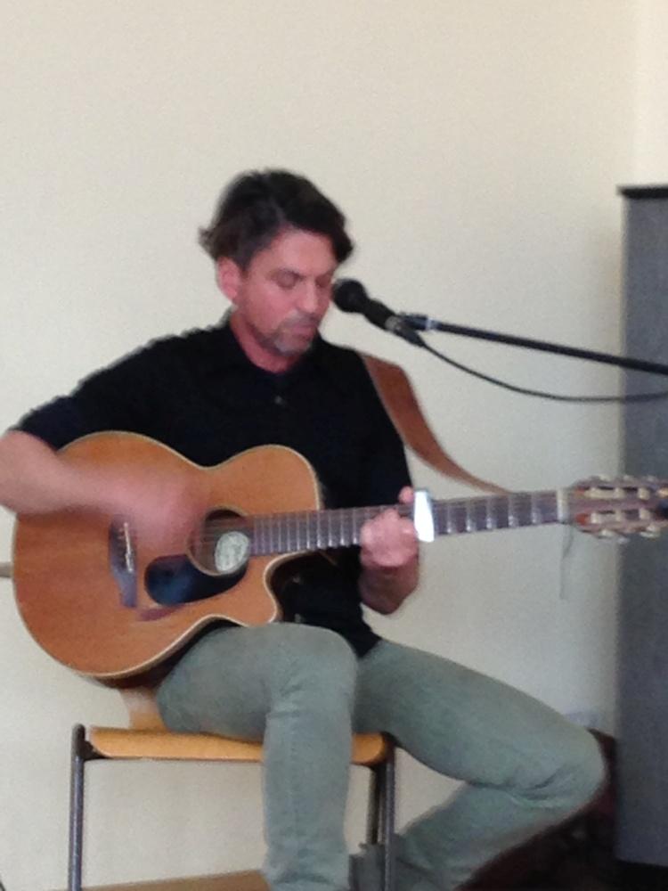 Sie sehen Bilder des Artikels: Besuch von israelischem Folk-Rockduo