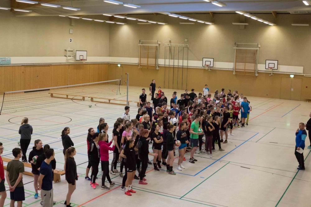 Sie sehen Bilder des Artikels: Volleyball- Zweifelderball-Turnier 2018