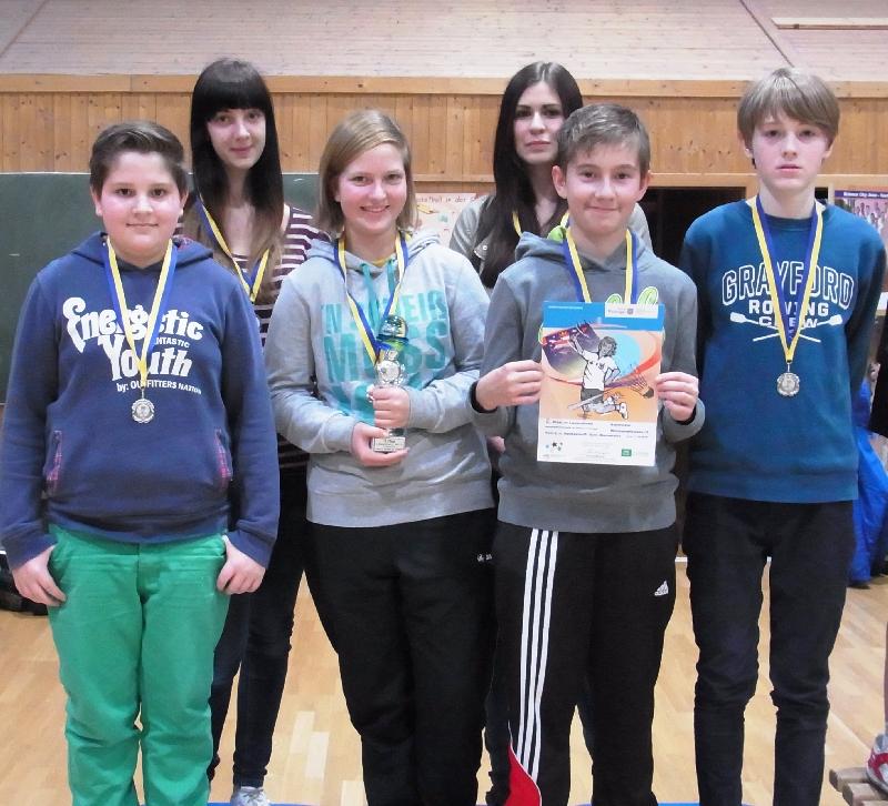 Sie sehen Bilder des Artikels: 2. Platz im Landesfinale Badminton 2014