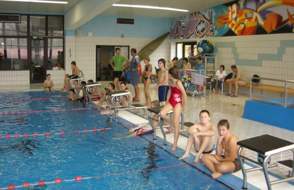 Sie sehen Bilder des Artikels: Schwimmfest Klasse 5
