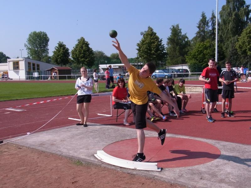 Sie sehen Bilder des Artikels: Leichtathletiksportfest vom 11./12. Juni 2013
